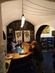 Malý/Velký, Praga