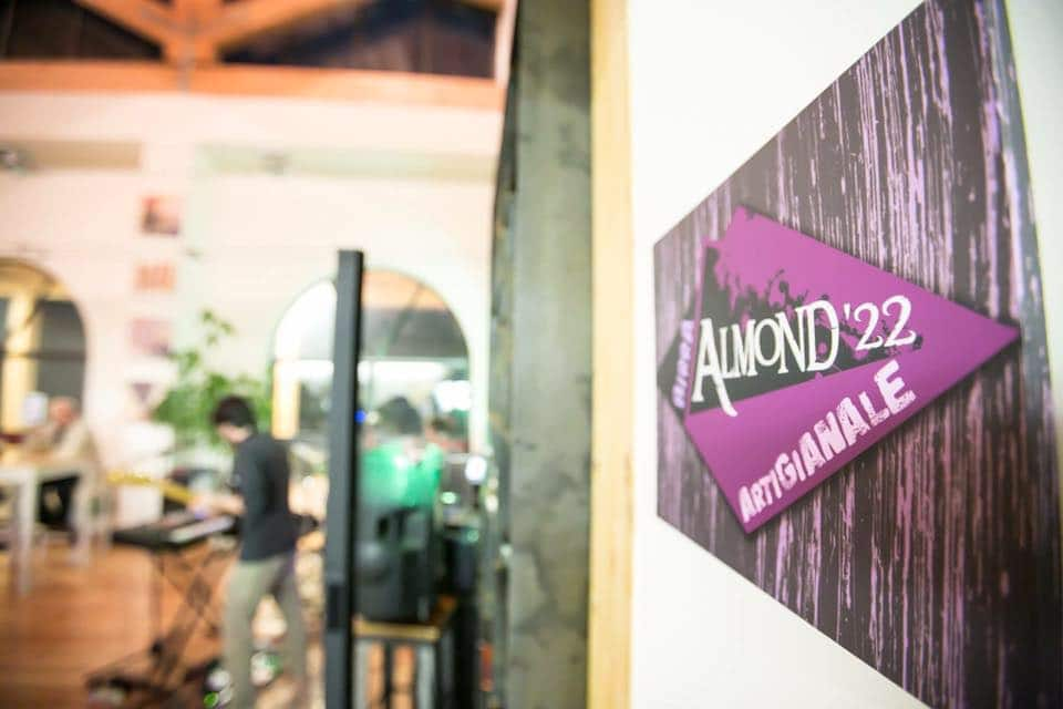 Almond22-01