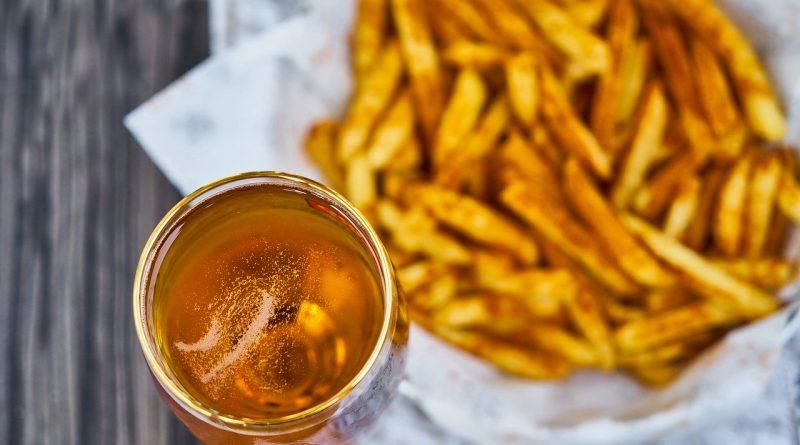 Cambiamento climatico: allarme per birra e patate fritte in Belgio