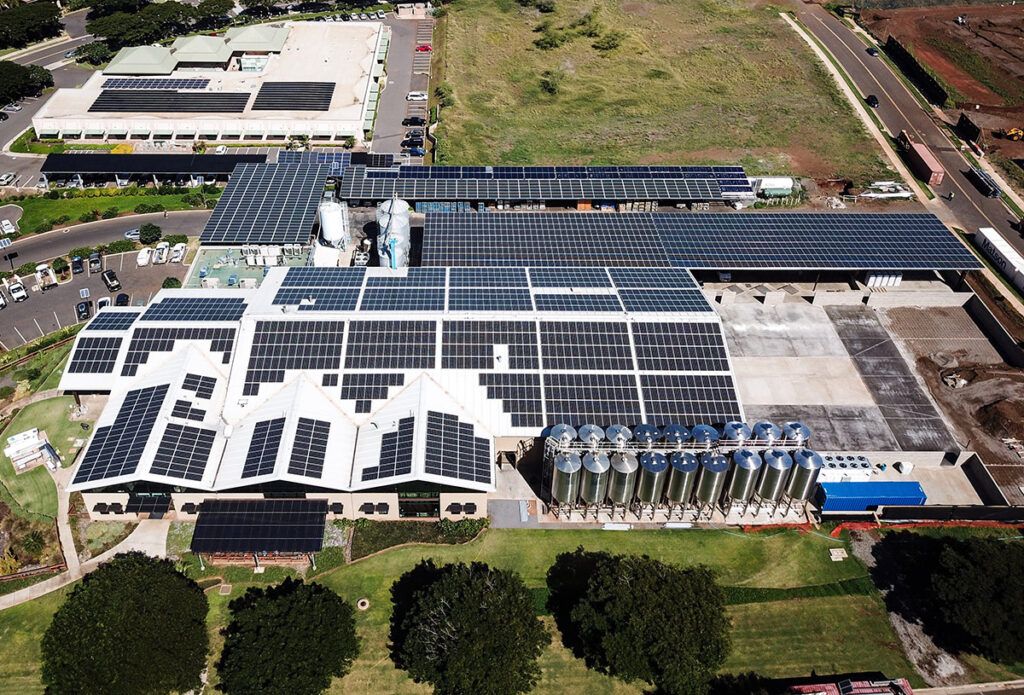 I pannelli solari sul tetto di Maui Brewing